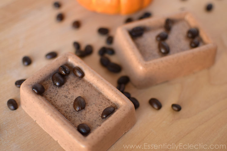 How to make Pumpkin Spice Latte Soap! This soap smells amazing and comes together in minutes! It is easy to make and is a great DIY gift for fall! | www.EssentiallyEclectic.com
