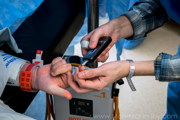 Checking blood sugar during a C-Section - Type 1 Diabetes Birth