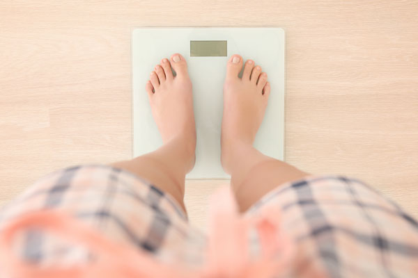 If you want to lose baby weight, don't set yourself up for disappointment by expecting numbers on the scale to necessarily drop quickly.